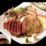 漢方豚のスペアリブステーキ、漢方牛のステーキ(トップラウンド)、漢方豚の肩ロース