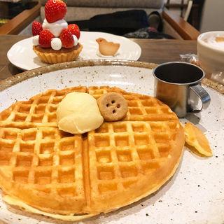 ワッフルベーシック(トワモワカフェ (towa mowa cafe))
