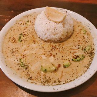 アボカドチーズカレー(ヨバレヤ)