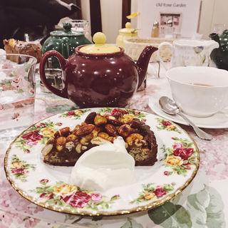 ホームメイドケーキ(オフィシナ・デル・カフェ 淀屋橋店 )