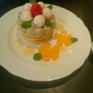 春香る桜とほうじ茶のパンケーキ(カフェアンジェ (Cafe Ange))