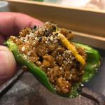 パリパリピーマンの肉詰め(焼き鳥 松元 西中洲本店)