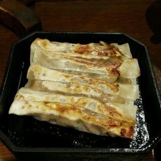 鉄鍋棒餃子(紅虎餃子房 有楽町店 (ベニトラギョウザボウ))