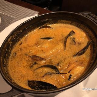 熱ブイヤベース残ったスープでリゾットに仕上げます(タマヤ 根津店 (TAMAYA))