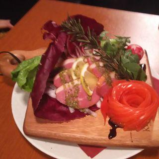 燻製合鴨のバジルソース(個室で肉バル BOSTON 渋谷店)