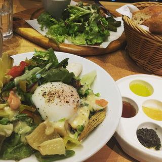 グランデサイズの彩りサラダ(ポワンエリーニュ)