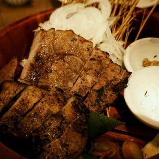 四万十米豚のわら燻り焼き   (土佐わら焼 龍神丸)