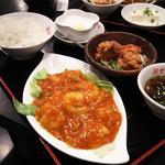 エビチリソース+鶏唐サラダ