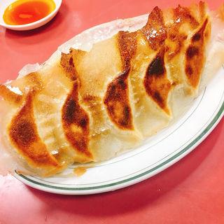 羽根付き焼き餃子(歓迎 本店 (ホアンヨン))