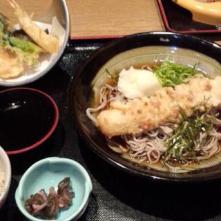 季節の天ぷらそば(茶房ひまわり イズミヤ洛北店 )