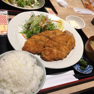チキンカツ定食(ぽん輔 )