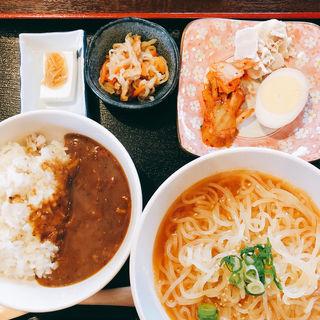 盛岡冷麺とカレーセット(まる さんかく しかく )