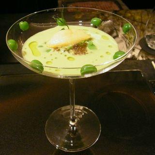 ずわい蟹とうすい豆の冷製スープ(祇園 呂色)