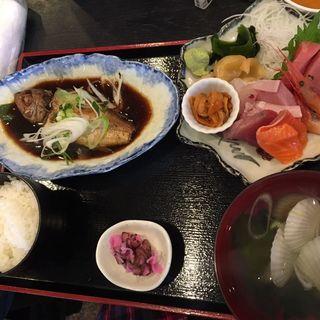 のどぐろ煮付け刺身定食、刺身6種類ウニ追加(市場食堂 さかなや )