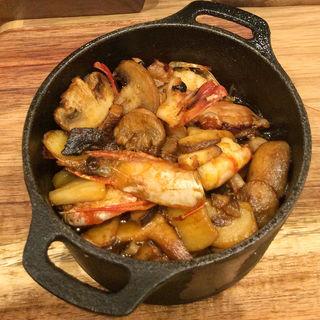 佐島地ダコと海老のアヒージョ スモークパプリカ風味(チャヤ ナチュラル&ワイルドテーブル)