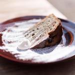 薩摩芋と黒ゴマのケーキ