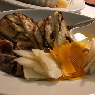 チーズ盛り合わせ(トラットリア グランボッカ (TRATTORIA GRAN BOCCA))