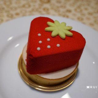 苺のレアチーズタルト(トスティーナ (tostina))