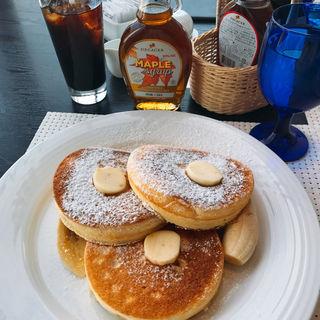 ニューオータニオリジナルパンケーキ〜バナナ添え〜(下町DINING&CAFE THE sea)