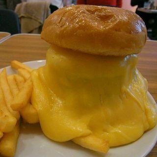 スーパーチーズバーガー(BURGER&MILKSHAKE CRANE)