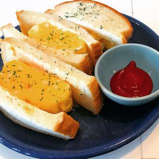 厚焼き玉子サンド(カフェ&キッチン マナビ)