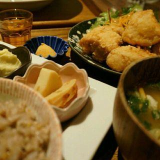 米粉で揚げた国産むね肉のから揚げ膳(ナトゥーラ・ナトゥーラ 神戸ハーバーランドumie店 (natura・natura))