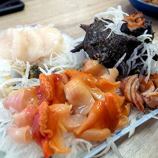 貝のお刺身盛り合せ(伊勢芳 )