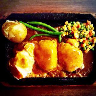 トリプルチーズハンバーグ(ゴールド ラッシュ 新宿東口店 (GOLD RUSH))