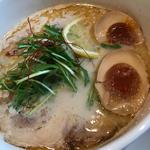 トリュフ香る鶏と鯛の熟玉そば(下品なぐらいダシがうまいラーメン屋)