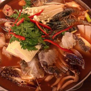 海鮮鍋(豚ぜん (トンゼン))