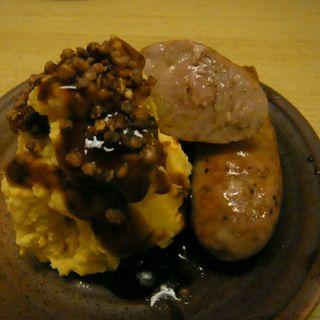ポテサラ(そばの実のせ)&自家製ソーセージ(和洋酒菜 ひで )