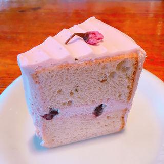 桜のシフォンケーキ(セカンドハウス 北山店 (SECOND HOUSE))