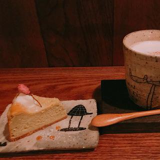 桜のベイクドチーズ(カフェ ケシパール )