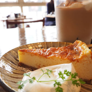 ベイクドチーズケーキ(Tea room mahisa motomachi (ティールームマヒシャ 【旧店名】マドマド))