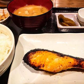銀鮭西京焼き定食(魚き食堂)