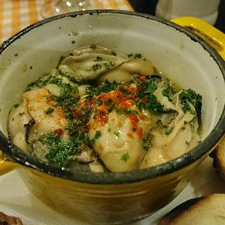 牡蠣のエスカルゴバター(エ パタティ エ パタタ (et Patati et Patata))