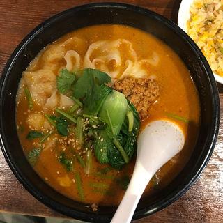 担々刀削麺+半チャーハン(刀削麺 張家 麹町店 )