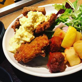魚ミックスフライ膳(ぱちぱち )