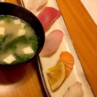 にぎり寿司 5貫(味噌汁付)(あじ)