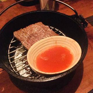 ダッチオーブンで作る黒毛和牛もも肉の瞬間燻製(燻製キッチン )