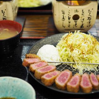 牛かつ定食(牛かつ専門店 うし寅)