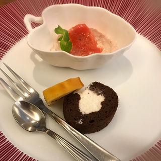 ハンバーグ御膳のデザートプレート(ステーキ割烹 四季 (FOUR SEASONS))