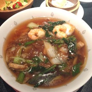 桃谷樓麺ランチ(桃谷樓 ルクア大阪店 (トウコクロウ))