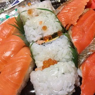 鮭の握りセット(ディナーベル ススキノ南7条店)