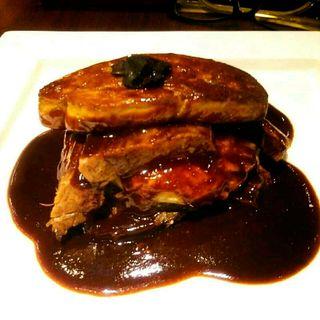 牛肉のミルフィーユ フォアグラのせ バルサミコソース(俺のイタリアン)