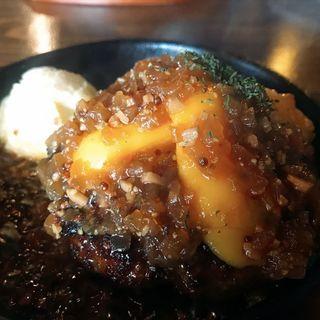 ポークバーグチーズのせ(日本橋ビアホール )