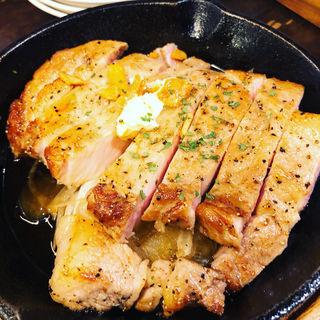 チキンステーキ(3階 肉バル ノースマン 六本木本店 )