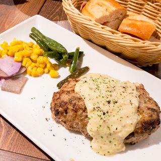 ハンバーグステーキ(スペイン食堂 エルペケーニャ)