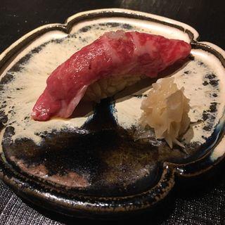 握り鮨 和牛ミニヨン エシャレット(おにく花柳)