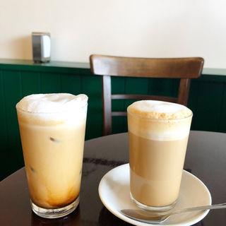 カフェラテ(cafe Gades (カフェ ガデス))